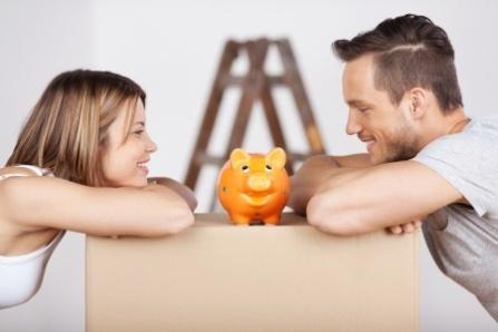 couplew:piggybank21162039_s